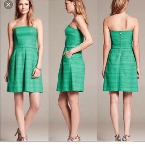 Banana Republic Woven Strapless Green Dress Size 0